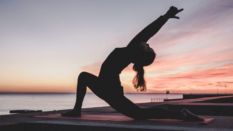 Dôvody, prečo cvičiť jogu hneď ráno
